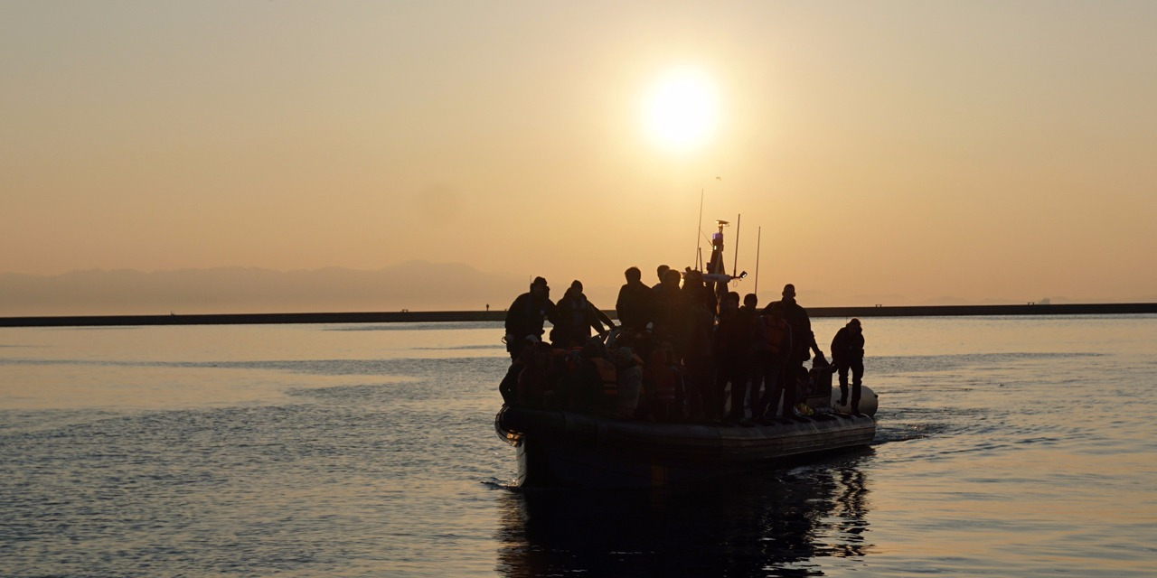 Libye-des-migrants-braques-par-un-groupe-arme-en-Mediterranee.jpg
